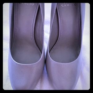 Vince Camuto grey and teal heels